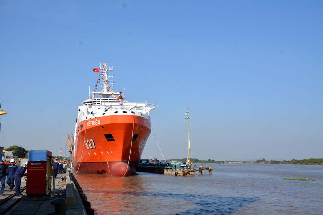 Đại tướng Ngô Xuân Lịch dự Lễ hạ thủy tàu tìm kiếm, cứu nạn tàu ngầm đa năng MSSARS 9316 - Ảnh 5.
