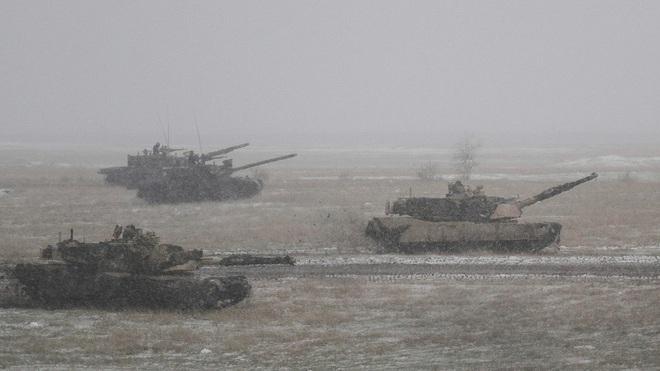 Chuyên gia: Nga sẽ tấn công hạt nhân ngay lập tức nếu NATO dám đụng đến Kaliningrad - Ảnh 1.