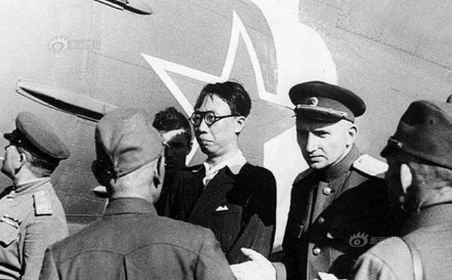 Tình cờ bắt sống hoàng đế Trung Quốc, vì sao Liên Xô không trả Bắc Kinh ngay mà giữ lại 5 năm?