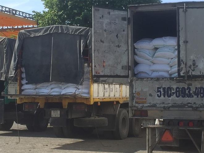 Bộ Công an triệt phá đường dây buôn lậu 1.000 tấn đường - ảnh 2