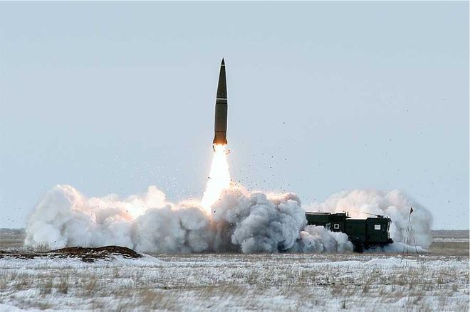 Tên lửa Iskander Nga kết nối với mạng Internet độc nhất vô nhị: Nhận lệnh là đánh! - Ảnh 1.