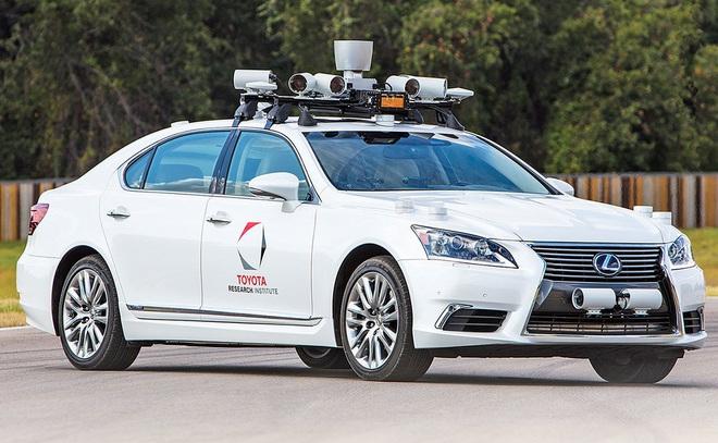 Xu thế phương tiện thông minh đang phá vỡ hệ thống dây chuyền sản xuất cứng nhắc của Toyota - Ảnh 3.