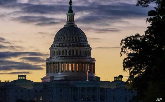 Ủy ban tình báo Hạ viện Mỹ công bố báo cáo luận tội Tổng thống Trump
