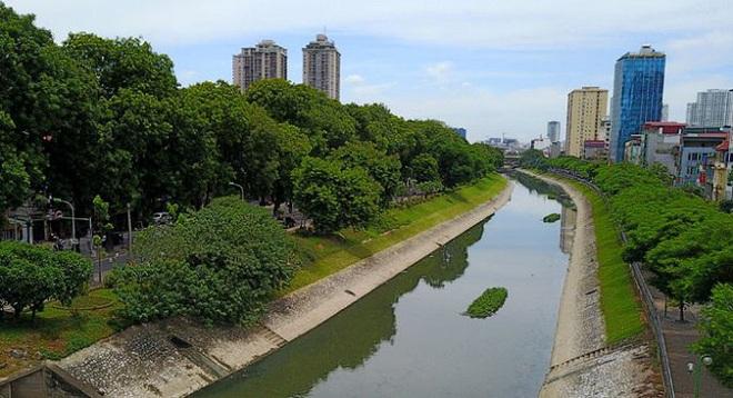Lấy nước sông Hồng xử lý ô nhiễm Tô Lịch: Hàng trăm tỷ đồng sẽ mất trắng sau mấy ngày - Ảnh 2.