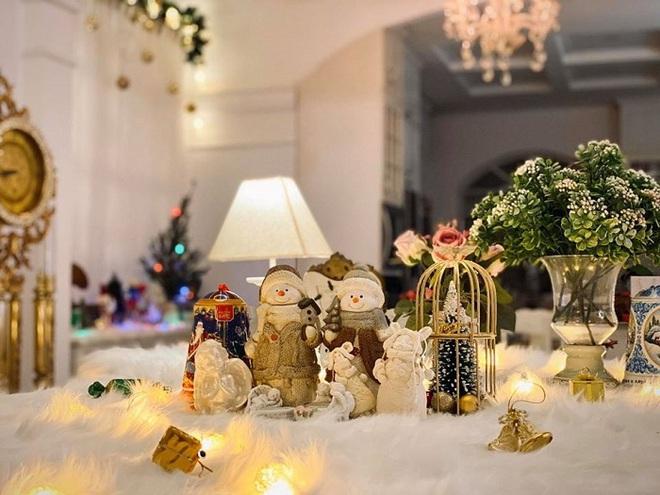 Biệt thự vợ chồng Thúy Hạnh trang hoàng lung linh đón Noel - Ảnh 5.