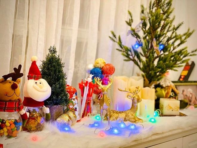 Biệt thự vợ chồng Thúy Hạnh trang hoàng lung linh đón Noel - Ảnh 8.