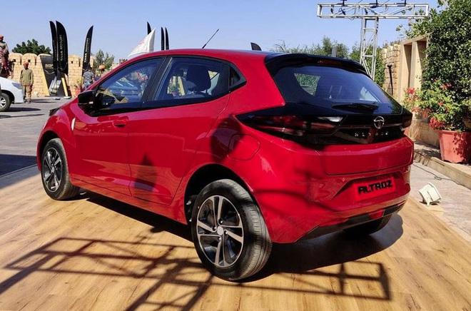 Cận cảnh mẫu hatchback cao cấp, giá chưa đến 200 triệu đồng - Ảnh 1.