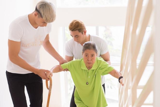 Nhã Phương, Phương Thanh và 2 trai đẹp Mister Việt Nam đi làm từ thiện - ảnh 6