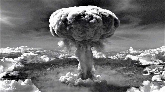 Vì sao Mỹ ném bom nguyên tử Hirosima và Nagasaki? - Ảnh 1.