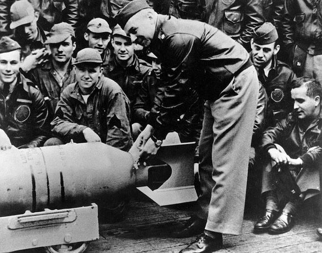 Phi công huyền thoại Mỹ dẫn đầu cuộc giội bom phục thù Nhật Bản - ảnh 2