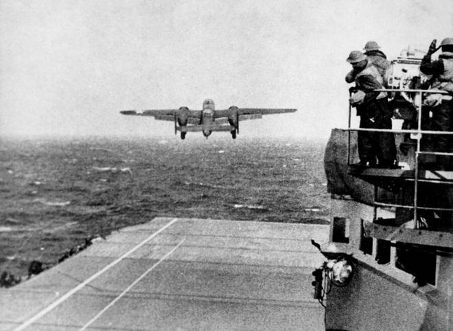 Phi công huyền thoại Mỹ dẫn đầu cuộc giội bom phục thù Nhật Bản - ảnh 3