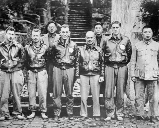 Phi công huyền thoại Mỹ dẫn đầu cuộc giội bom phục thù Nhật Bản - ảnh 5