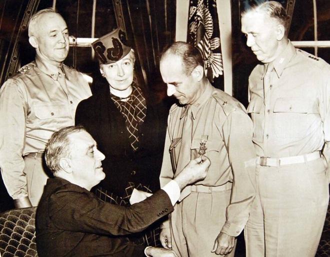 Phi công huyền thoại Mỹ dẫn đầu cuộc giội bom phục thù Nhật Bản - ảnh 6