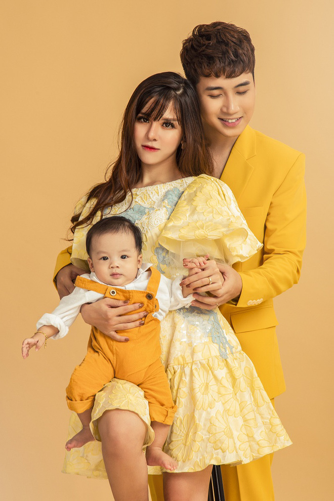 Vlogger Huy Cung khoe con trai 4 tháng tuổi: Không chia sẻ từ đầu vì vợ không chịu được áp lực dư luận - Ảnh 1.