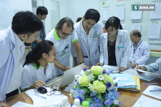 Hành trình 10 năm vá lỗi tạo hoá cho trẻ Việt của bác sĩ tiết niệu Nhi hàng đầu người Ý - Ảnh 7.