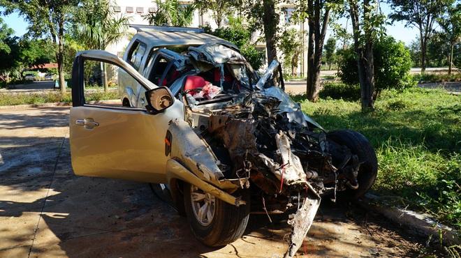 Tai nạn thảm khốc ở Gia Lai: Ô tô bán tải tông trực diện xe tải, 3 người chết, 3 người bị thương - Ảnh 1.