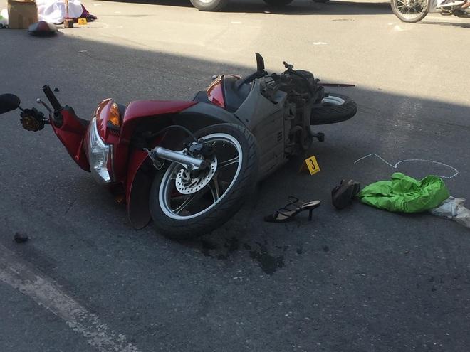 Hà Nội: Xe tải tông xe máy trên đường Nguyễn Trãi khiến 2 người tử vong - Ảnh 2.