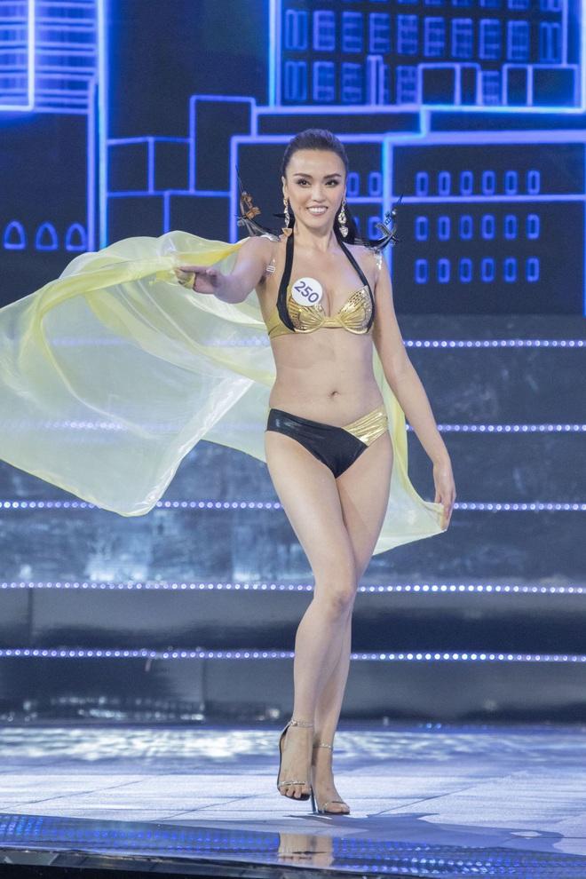 Cận cảnh phần trình diễn bikini nóng bỏng của Tân hoa hậu Hoàn vũ Việt Nam 2019 - Ảnh 15.