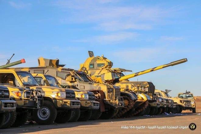 Điểm nóng quân sự tuần qua: Nga ồ ạt triển khai vũ khí hiện đại tới ĐB Syria, Mỹ tóm sống hàng lậu Iran ở biển Arab? - Ảnh 7.