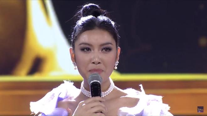 Tân Hoa hậu Hoàn vũ Việt Nam trả lời ứng xử ngắn và ấp úng nhất nhưng vẫn giành chiến thắng - Ảnh 4.