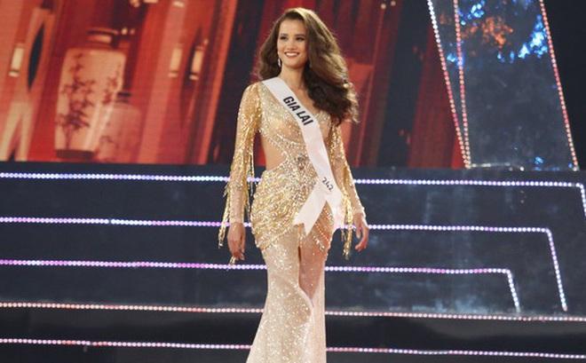 Trượt Top 3 Hoa hậu Hoàn vũ, Hương Ly bất ngờ ngã gục, ngất xỉu, không lên nhận giải