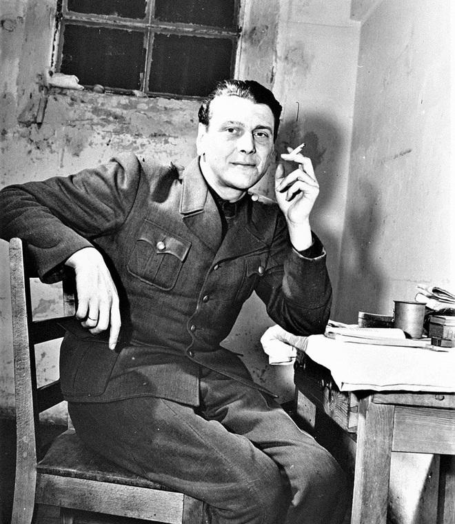 Lữ đoàn Đức cải trang làm quân Mỹ và kết cục bi thảm - Ảnh 1.