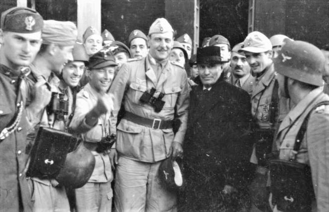 Lữ đoàn Đức cải trang làm quân Mỹ và kết cục bi thảm - Ảnh 2.