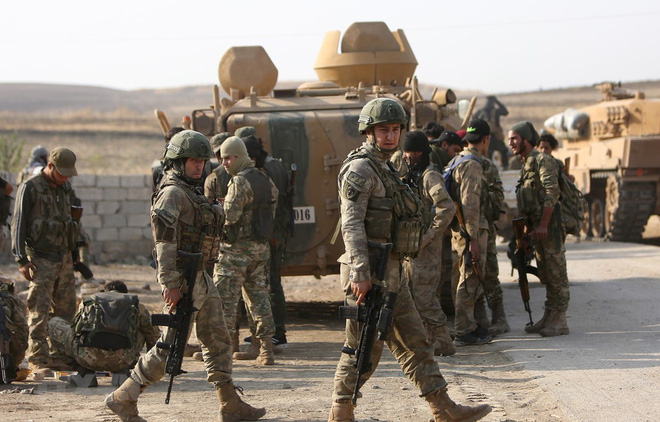 CẬP NHẬT: Tàu sân bay Mỹ tiến sát căn cứ quân sự Nga tại Syria - Tên lửa phòng không Nga bắn hạ UAV Mỹ tại Libya? - Ảnh 14.