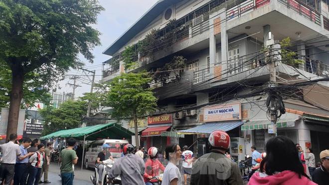 Ám ảnh hiện trường vụ cháy nhà trong đêm, 3 người chết ở Sài Gòn - Ảnh 4.