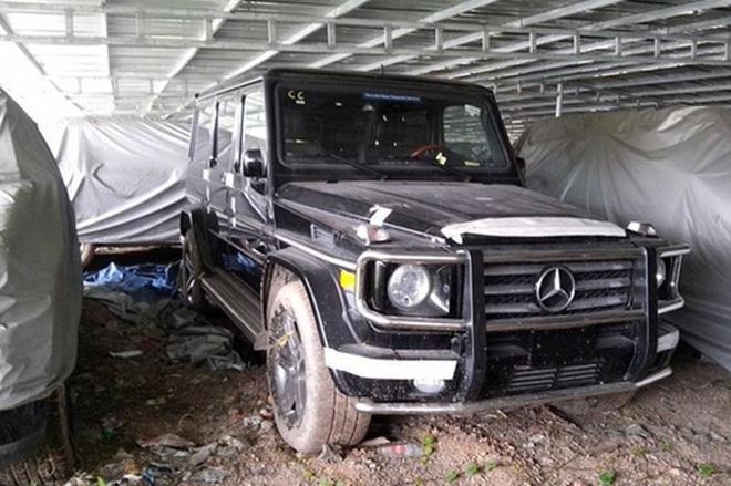 Xót xa nhìn loạt xe Mercedes-Benz đắt đỏ bị vứt xó ở Hà Nội - Ảnh 7.