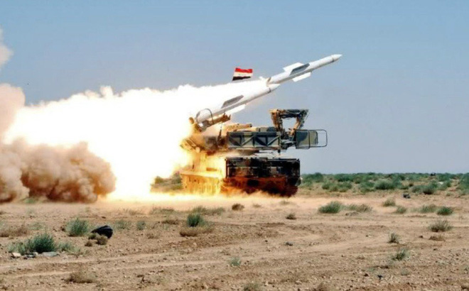 """Hình ảnh """"sát thủ phòng không tầm trung"""" Buk-M2E của Syria bị tấn công phá hủy"""