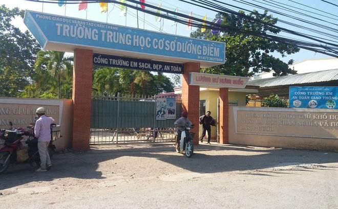 """Cảnh báo đối tượng """"lạ"""" có mặt tại cổng trường dụ dỗ học sinh bỏ học đi xa"""
