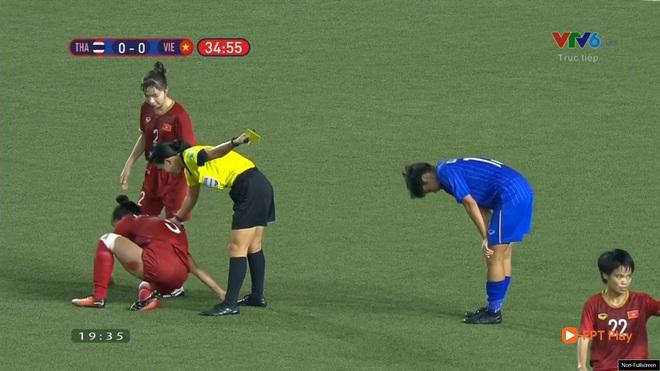 CĐV Việt Nam bật khóc khi thấy cầu thủ nữ thi đấu quá quật cường, bị thương vẫn cố gắng - Ảnh 1.