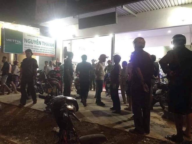 Chủ tiệm điện thoại bất ngờ bị chém nhiều nhát khi đang xem trận U22 Việt Nam - Campuchia - Ảnh 1.