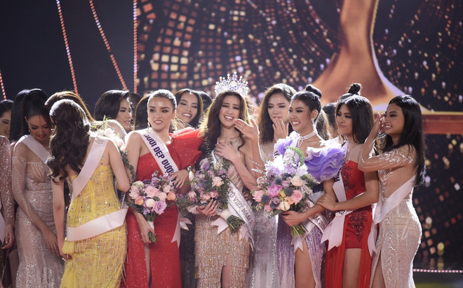 Tân Hoa hậu Hoàn vũ Việt Nam gây tranh cãi sau khi đăng quang - Ảnh 1.