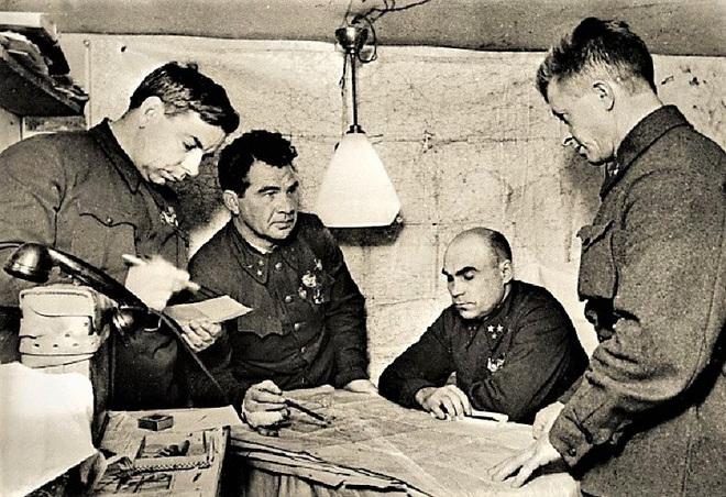 Năm sự thật và một huyền thoại về Nguyên soái Chuykov - Ảnh 1.