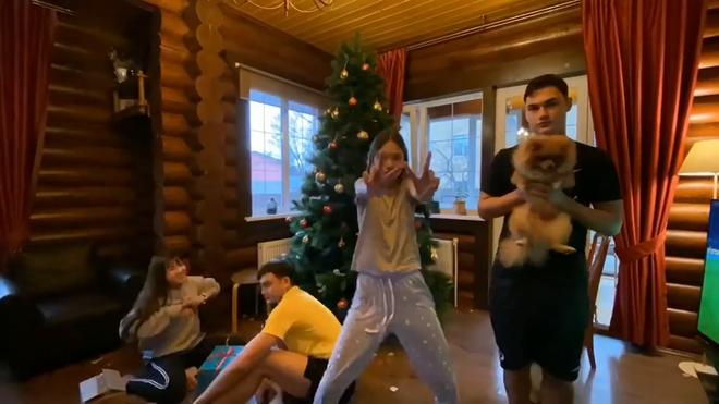 Yến Xuân qua Nga ra mắt, cùng gia đình Lâm Tây trang trí Noel: Ra dáng người một nhà! - ảnh 8