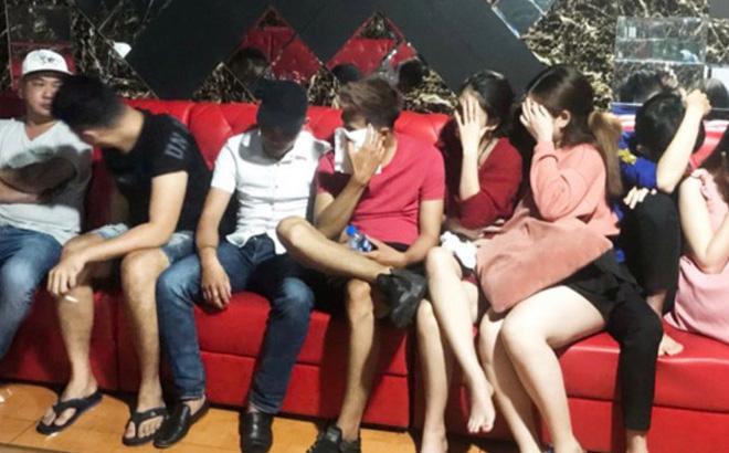 25 người sử dụng ma túy trong quán bar ở Long An