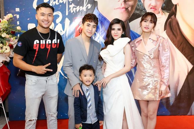 Bà xã Huy Cung khoe nhan sắc trẻ trung, xinh đẹp sau khi sinh con đầu lòng - Ảnh 6.