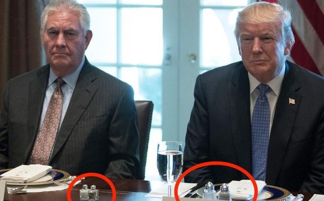 """Cách thể hiện quyền lực """"không lời"""" của TT Trump: Đến thứ ít ai để ý cũng phải to vượt trội hơn người khác"""