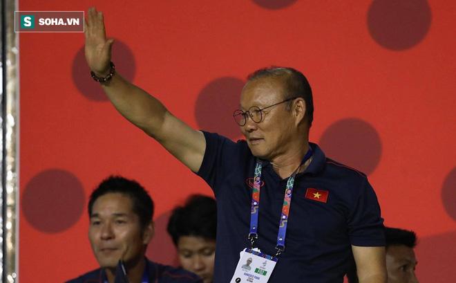 """Tạm quên thầy Park, báo Indonesia tin Việt Nam thành công nhờ một """"cú đấm"""" mạnh tay khác"""
