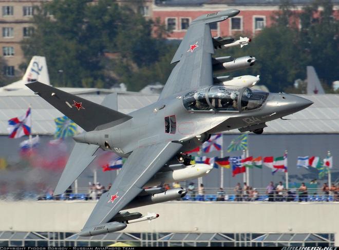Trên cả tuyệt vời, tiêm kích Yak-130 sắp về Việt Nam: Su-35 và Su-57 đang chờ phía trước? - Ảnh 4.