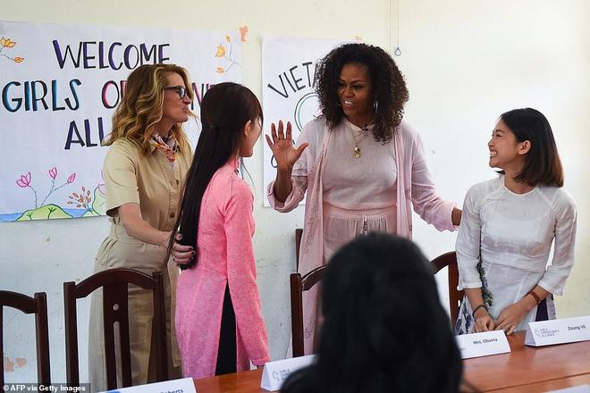 Bà Michelle Obama động viên nữ sinh Việt nỗ lực học tập: Giáo dục là sức mạnh, tiếng nói và cơ hội - Ảnh 5.