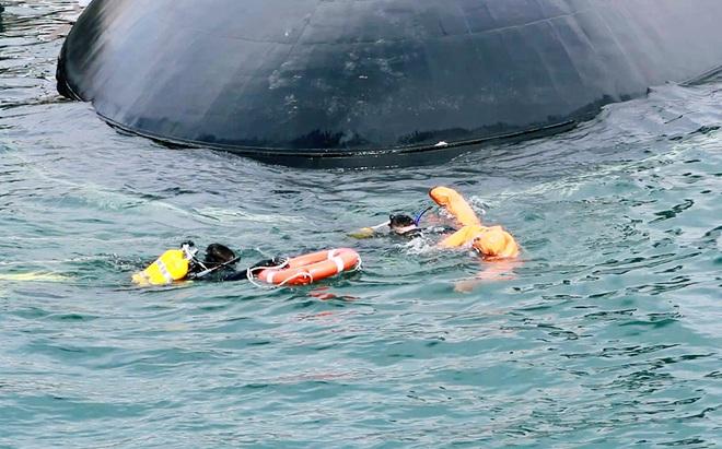 Hải quân Việt Nam- Hải quân Liên bang Nga: Luyện tập cứu hộ, cứu nạn tàu ngầm - Ảnh 4.