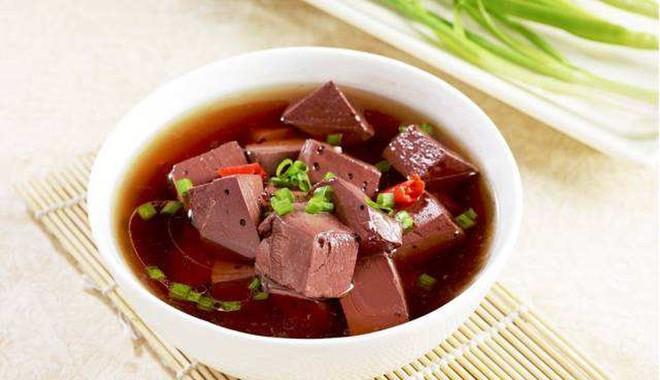 Những giá trị dinh dưỡng của tiết: Món ăn ngon bổ tuyệt vời bạn đừng quên ăn vào dịp Tết - Ảnh 2.