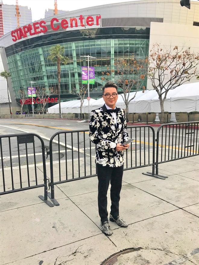 Đàm Vĩnh Hưng mặc hàng hiệu sang chảnh, bất ngờ xuất hiện tại lễ trao giải Grammy 2019 - Ảnh 7.
