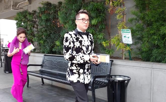 Đàm Vĩnh Hưng mặc hàng hiệu sang chảnh, bất ngờ xuất hiện tại lễ trao giải Grammy 2019 - Ảnh 2.