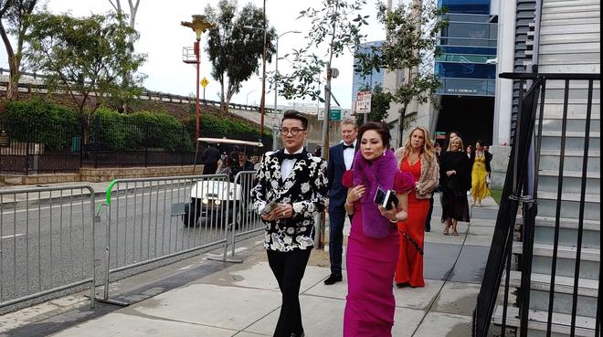 Đàm Vĩnh Hưng mặc hàng hiệu sang chảnh, bất ngờ xuất hiện tại lễ trao giải Grammy 2019 - Ảnh 3.