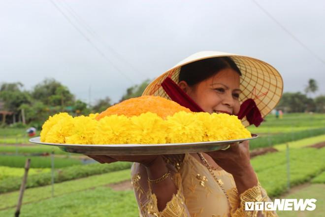 Độc đáo lễ hội Cầu Bông ở làng rau sạch lớn nhất miền Trung - Ảnh 2.