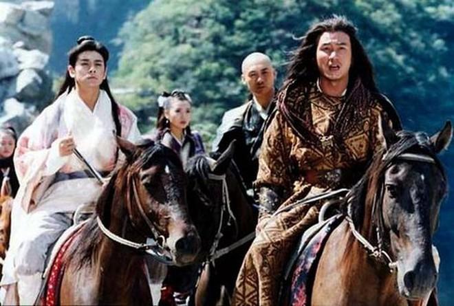 Hư Trúc nổi tiếng của Thiên long bát bộ: Bị đuổi khỏi showbiz, bạn gái nóng bỏng bỏ rơi - Ảnh 2.